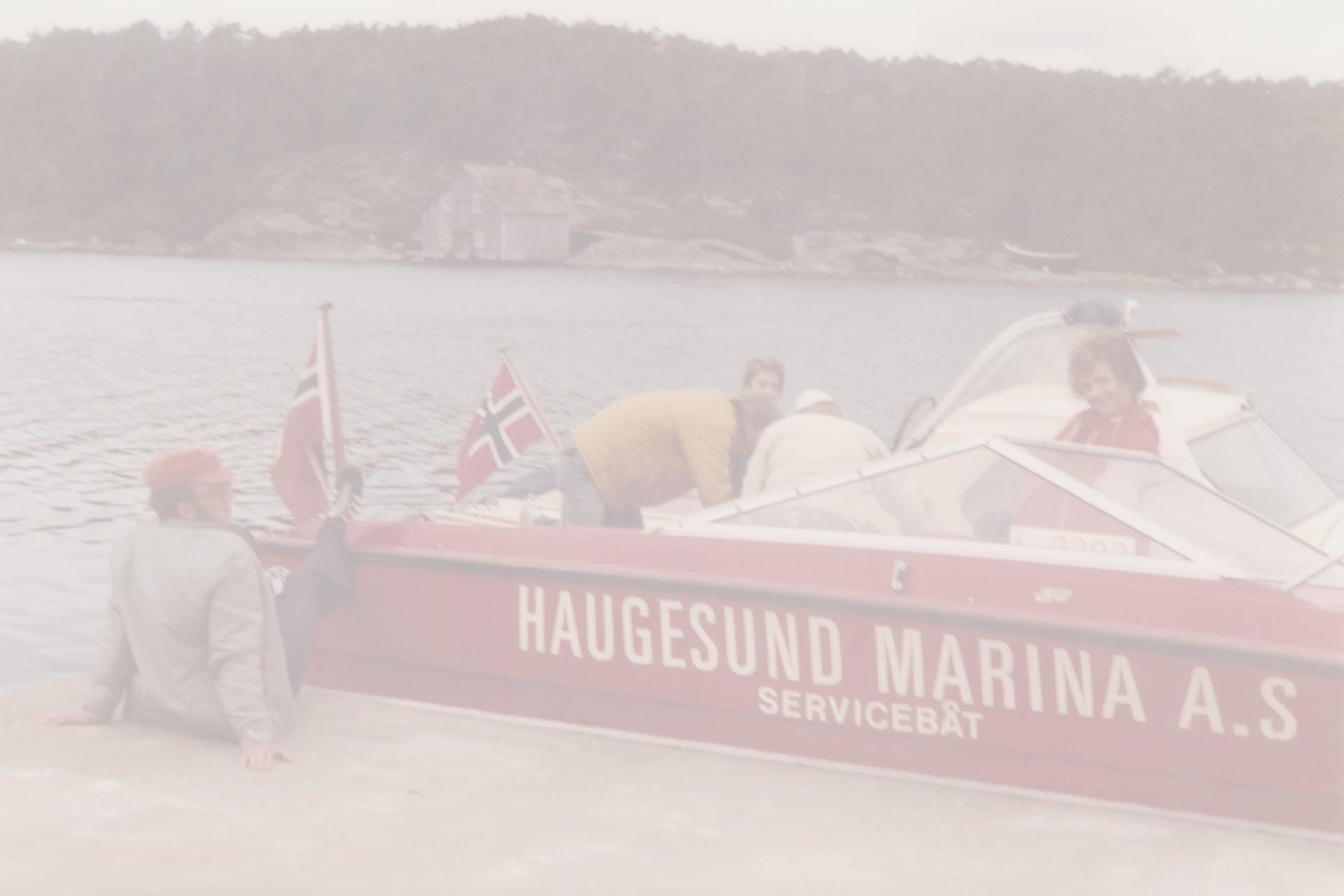HaugesundMarina_servicebåt_greyfilter